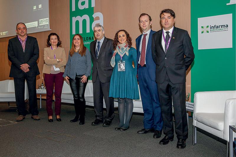 De izquierda a derecha: Francesc Pla, M. Luisa Tarno, Carmen Solera, Emili Esteve, Edurne Fernández de Gamarra, Miguel Valdés y Josep Aiguabella, presidente del COF de Lleida