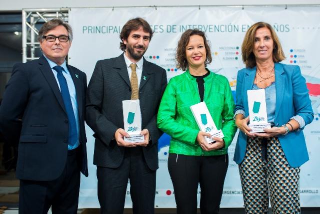 Ricard Troiano con Joan Peris, Leire Pajín y Cristina Tiemblo