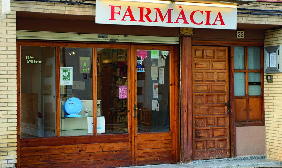 38 EF572 UN DIA EN LA FARMACIA farmacia