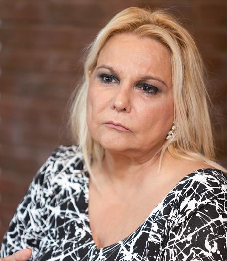 10 EF592 MUJER Y FARMACIA Celia Sanchez Ramos 04